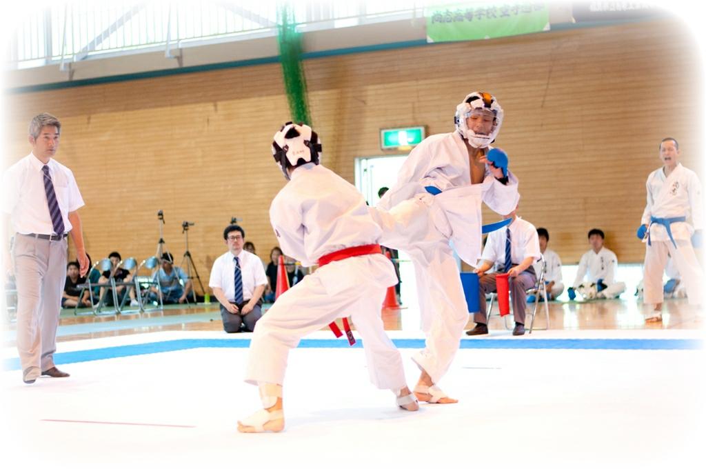 http://www2.shoshi.ed.jp/club/2013.03.03_karate.jpg